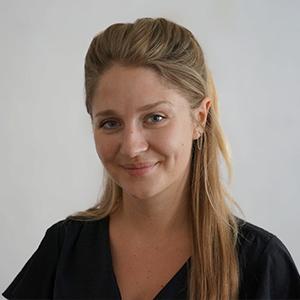 Portrait of Hannah Looks